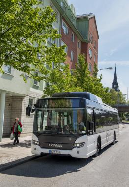 bus-012